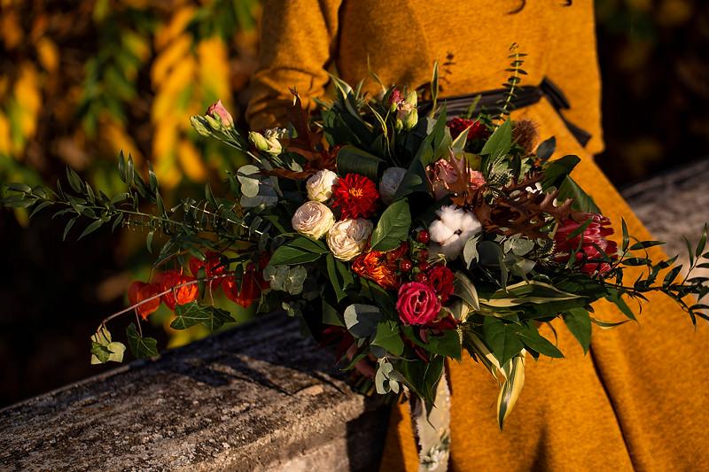 Buchet din flori naturale dedicat mireselor