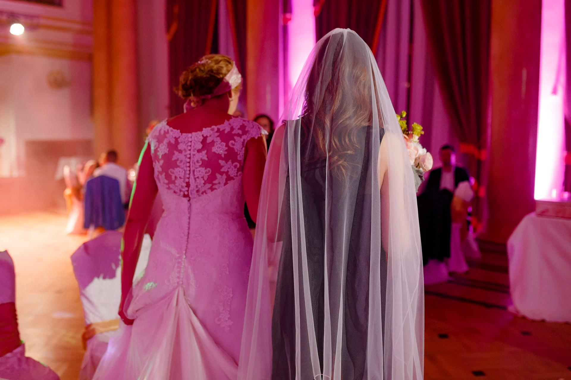 Fotograf-nunta-profesionist-Brasov-Casa-Armatei-sesivede-fotografie-0015